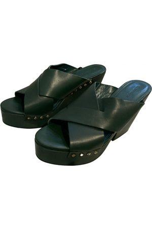 UTERQUE Women Mules - Leather mules & clogs