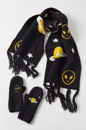 Urban Outfitters Emy Icon Scene Scarf