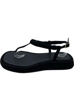 GIA Gia x Rosie flip flops