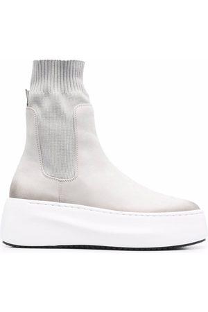 vic matiè Platform-sole ankle boots - Grey