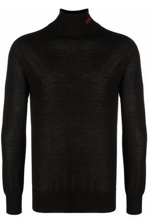 032c Fine-knit roll-neck jumper