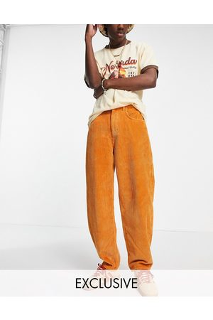 Reclaimed Men Jeans - Inspired 90's dad jean in ochre cord