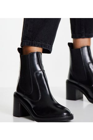 ASOS Wide Fit Runaway leather Chelsea boots in