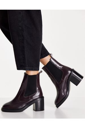 ASOS Women Chelsea Boots - Runaway leather chelsea boots in burgundy