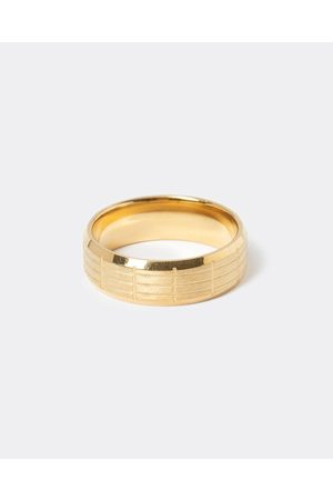 Men Rings - River Island Mens Gold colour lined ring
