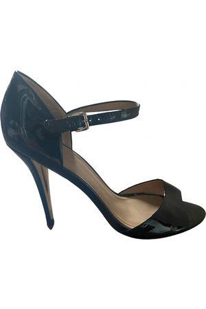 UTERQUE Patent leather heels