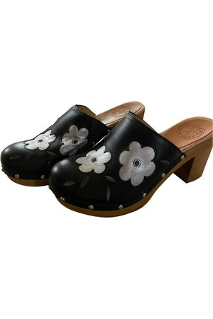 PENELOPE CHILVERS Leather mules & clogs