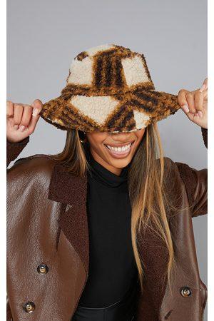 PRETTYLITTLETHING Women Hats - Check Knit Bucket Hat