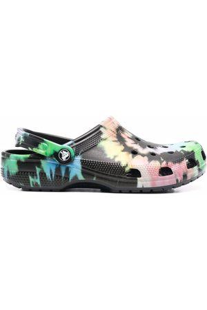 Crocs Men Clogs - Tie dye graphic clogs