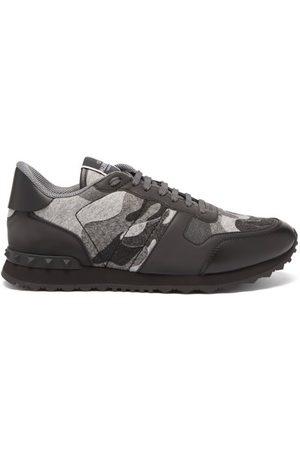 VALENTINO GARAVANI Men Sneakers - Rockrunner Suede And Leather Trainers - Mens - Grey