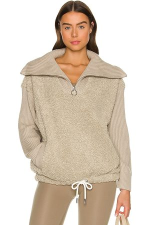 Varley Rogers Pullover in Grey.