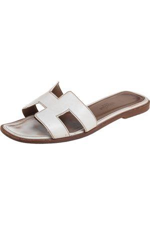 Hermès Leather Oran Flat Sandals 35
