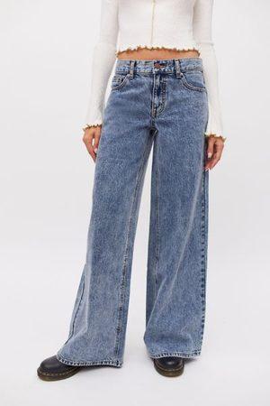 BDG Low & Wide Jean