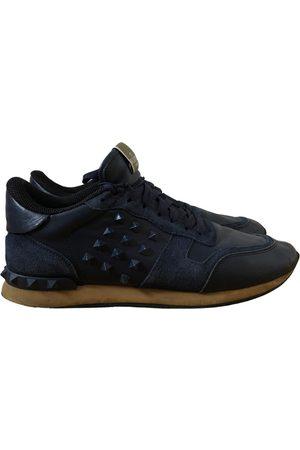 VALENTINO GARAVANI Men Sneakers - Rockrunner leather low trainers