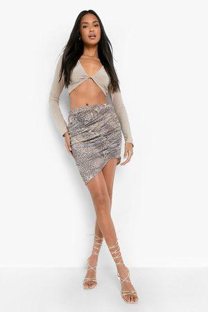 Boohoo Womens Snake Print Ruched Asymmetric Mini Skirt - - 2