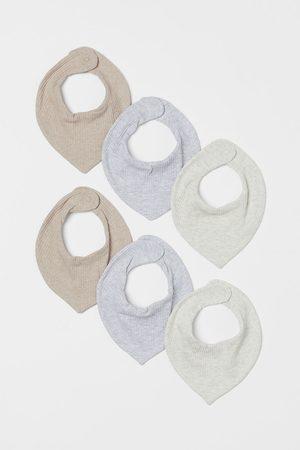 H&M Scarves - 6-pack Ribbed Triangular Scarves