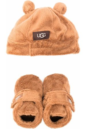 UGG Faux-fur boots and beanie set
