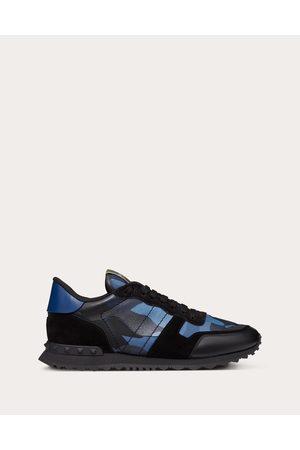 VALENTINO GARAVANI Men Sneakers - Camouflage Rockrunner Sneaker Man / 30% Cotton 20% Polyester 39